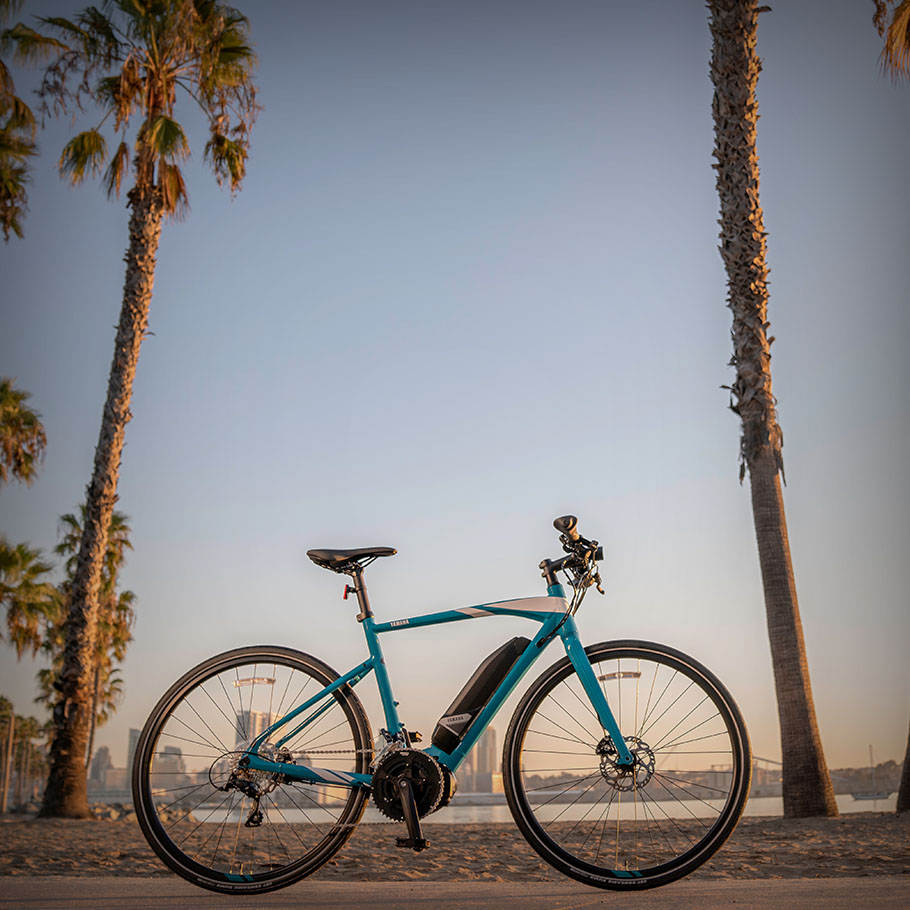 yamaha-power-assist-bicycles-2019-crosscore-ocean-blue-bright-white.jpg