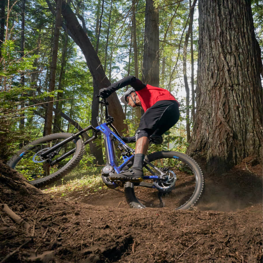yamaha-bicycles-2020-ydx-moro-pro-riding-woods-outdoors.jpg